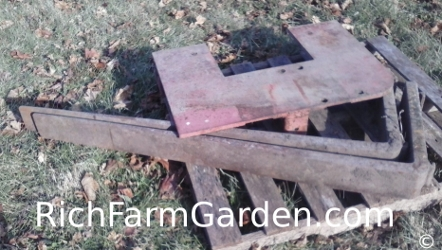Heavy dutty five foot pallet forks fits tractor three point hitch